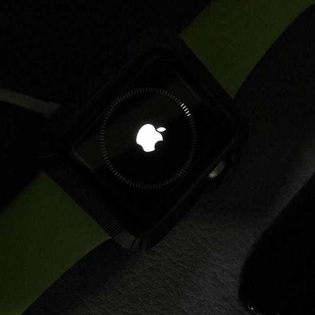 watch OS 2アップデート中!  watch os 2