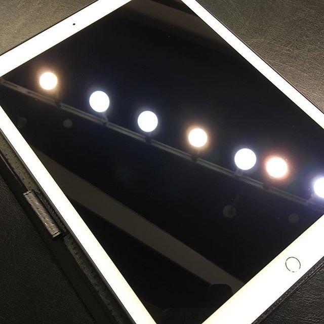 iPad Pro 保護フィルム、強化ガラス販売中!貼り付け無料です!