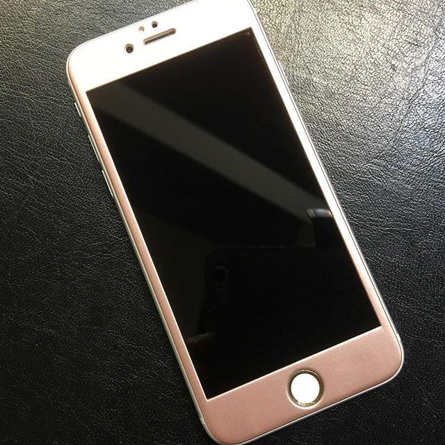 iPhone 6/6s、6/6s Plus用、フチがかけないソフトフレーム強化ガラス人気です!